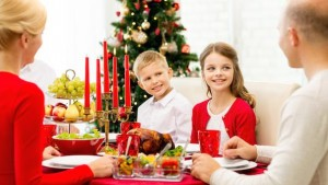 children-christmas-dinner-Dollarphotoclub_70737864