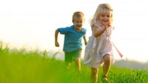 hd-wallpaper-kids-chasing