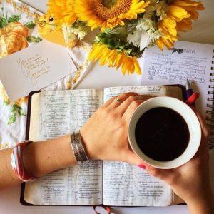 studimin e Biblës