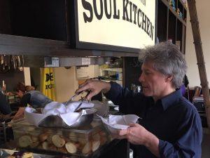 Jon Bon Jovi hap restorante